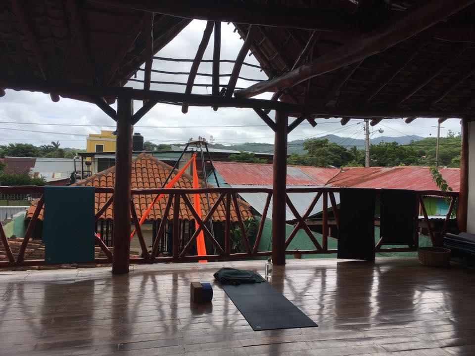 zen yoga san juan del sur nicaragua lindsay nova
