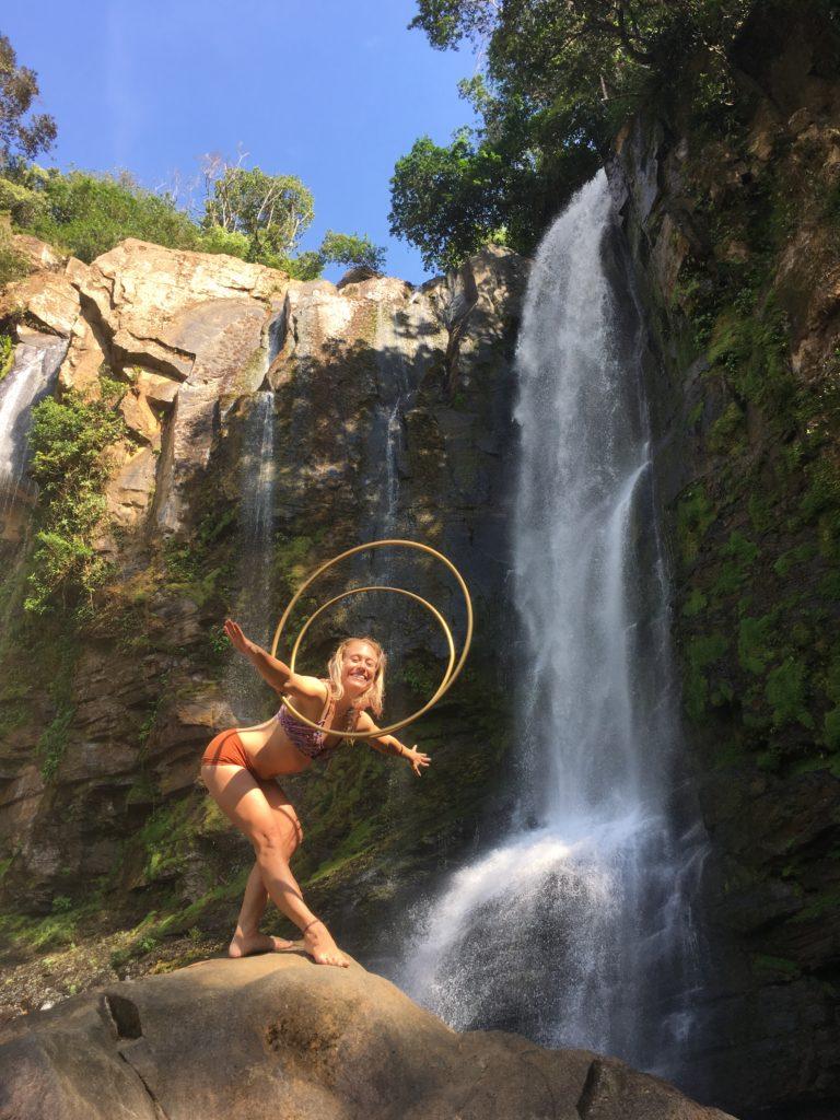 Lindsay nova hula hoops waterfall