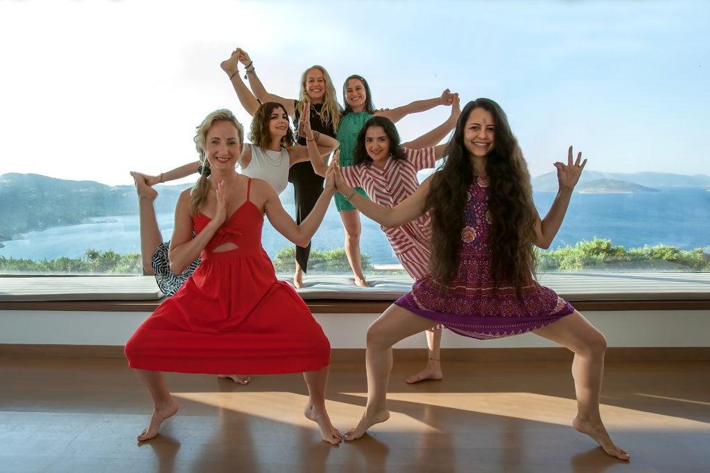 lindsay nova partner aerial yoga thailand bali india